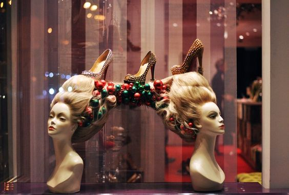 What is the difference between visual merchandising and window display?